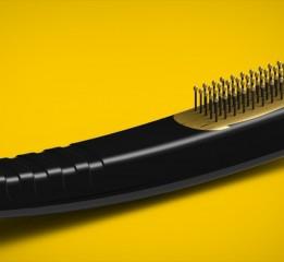 一个带梳子功能的吹风机