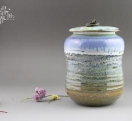 器世界精品茶具原创孤品窑变釉色茶叶罐器世界窑变釉色自然温润,真正体现出火的艺术。