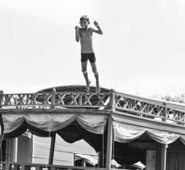 人像组---跳水的孩童---五群---广东