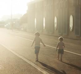 人文组-向光的童年-一群-Trichen