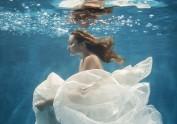 深圳玛莎莉莉水下婚纱照美人鱼系列