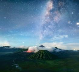 探索--布罗莫火山星空