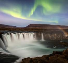 冰与火之歌   (冰川、火山、极光、
