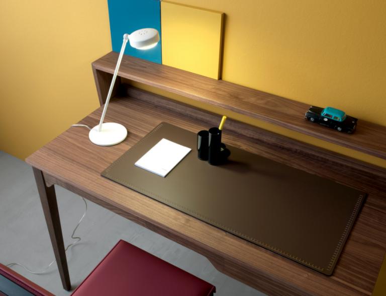 精巧、别致的六款办公桌设计的相关图片