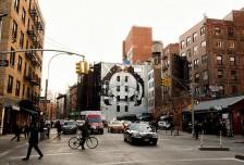 Gucci在纽约做了一幅墙绘广告 这背后有个迷妹梦想成真的故事相关图片
