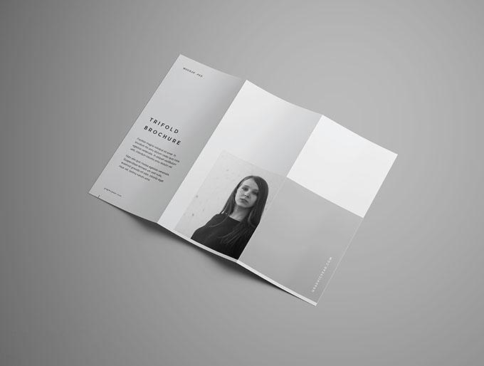作为平面设计方向的一种重要形式,版式设计已逐渐成为各类设计的公共语言。 作为平面设计方向的一种重要形式,版式设计已逐渐成为各类设计的公共语言。版式是设计的基础语言,它把文字、图形还有图片根据特定内容的需要恰当地组织在版面上,在对各种设计展示方面起到美化的作用,同时他又不仅仅是一种简单的技术编排,而是通过思考创意设计的视觉化与形象化相融合进行推敲,进而决定着一件设计作品给观众的基本感受和影响,观众凭着第一感觉,决定是否要进一步推敲这一设计提供的视觉信息和视觉语言。  如果设计的形式是枯燥乏味的和缺乏吸引力的