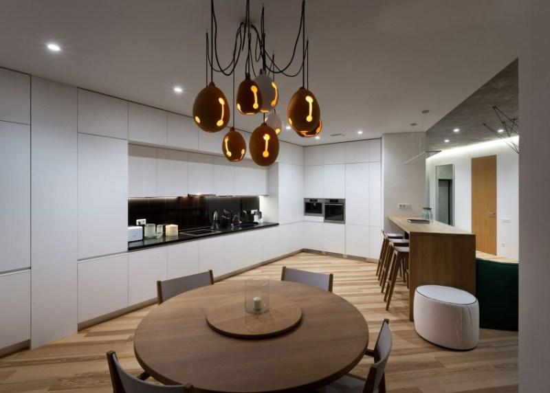 首页 设计资讯 理论文摘 正文   开放式的客厅,餐厅作为房间的核心图片