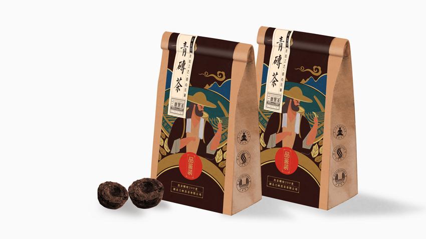 创意思考: 纵观全国黑茶上升势头明显,以湖南安化黑茶为代表,但是过于强化品类的市场策略无形之间增加了市场教育的成本,增添了市场开发的难度。在产品方面,安化产区开发的千两茶系列是整个黑茶行业的亮点,为安化黑茶找到了明星品类,为推广品牌实现了落地的产品策略,与八马的赛珍珠如出一辙。以三峡黑茶为例,不论是根据地湖北市场,还是放眼全国,黑茶都有补充市场品类,扩充市场选择的机会。产业多元化、产品多元化的发展过程中,三峡黑茶的定位就显的尤为重要:过于强调品类,黑茶将局限于有黑茶认知的区域;不诉求黑茶,我们将丧失市场缝