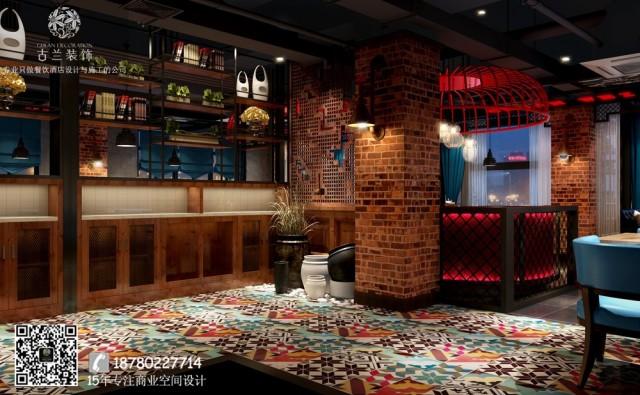 内里更有种时空错乱感。墙壁挂着欧式复古的壁灯,茶壶、餐具是韩式田园小清新的,另一边的柱子又挂着中国国粹元素为主的画作来隔断空间。走进来,每一步都有新鲜感。