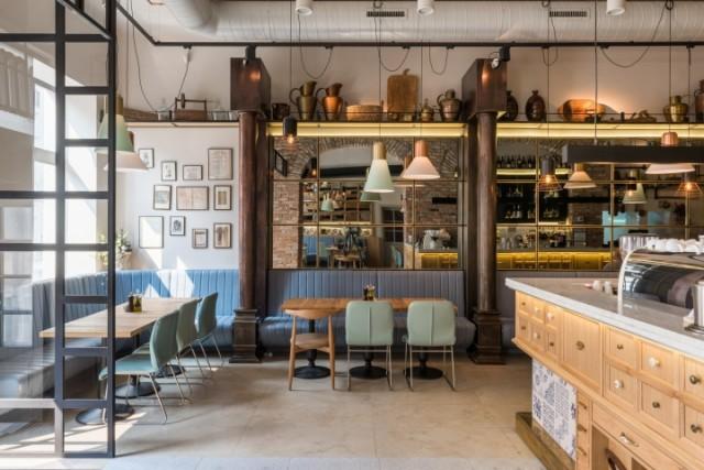 成都餐厅装修设计,有趣的餐厅是把握了顾客的用餐心理。掌握了顾客的用餐心理,将餐厅的定位极致发挥到极致,抓住整个餐厅的一个主导思想,整个装修风格,抓住整体的一个色调,从一而终。