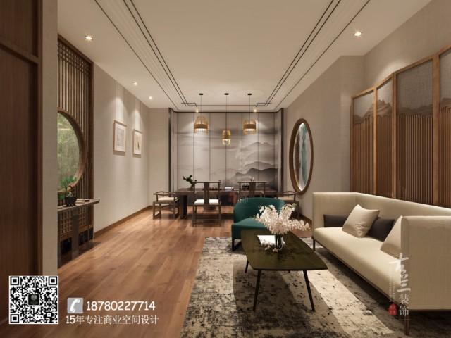 """因为室内几乎都是古式的家具,在绿植的搭配下给人一种""""小桥流水人家""""的感觉。茶楼一共有两层,第一层更像是展览一样,展示出它的物件、它的文化、它的理念等。"""