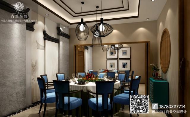 """餐厅带着独有的一种大自然的""""神秘之意"""",穿过门廊、吧台、地面等,灯光投射在每一个人的脸庞,让人仿佛进入了绿野仙踪。"""