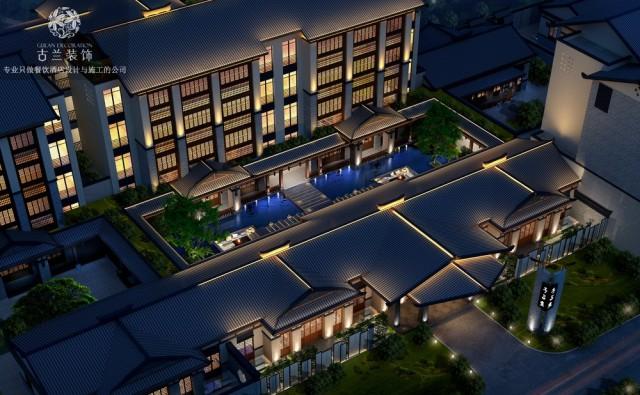 设计说明:重庆吸引人的不仅仅是它城市的地理特色,还有更多的是它的旅游资源,长寿湖是重庆市最大的湖泊旅游风景区。对称的屋顶灯光设计,弧形创意的前台,以克制简练的设计语言营造出简约舒适的空间,让旅途的奔波消解在踏入酒店的刹那。中庭景观也是一个放松的场景,我们生活在这个快节奏的时代里,有一个地方能够放松心情,怎能不惬意。充斥着绿色植物的书吧空间为客人们带来远离烦嚣的舒适环境,功能区域的设计能满足客人的不同需求。茶室的设计为客人提供了一个私密的空间。原木的家具设计为整个空间增添了质朴的感觉。卫生间是酒店品质的体现,独具创意的洗手台与镜面在无形之中提升的酒店的档次。在接待区中的垂直绿化、装置艺术丰富了整个空间,让空间宽敞却不显空旷。充满艺术格调的美鱼馆,营造出完美的就餐环境。酒店KTV,既为客人提供了娱乐设施,又增加了酒店的收入。酒店位于长寿湖景区附近,那么酒店早餐吧的设计是必不可少的,依旧采用原木的风格,让这些家具设计更具有亲和力,为空间增添了几分艺术美感。客房的庭院设计了儿童的区,让孩子也有自己的游玩区域。