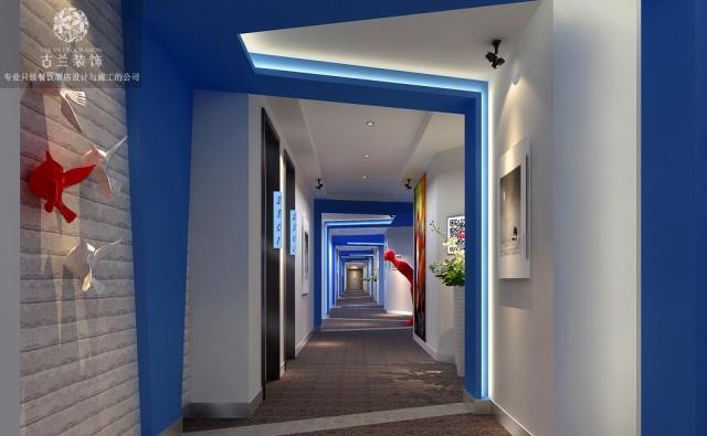 设计说明:哎角主题体验式酒店设计项目在成都市九眼桥附近,由于九眼桥独特的娱乐氛围,导致了酒店设计的白热化,整个酒店设计从各种地域,各种风情,各种文化的酒店设计中提炼出来时下酒店客户群体会去关注的酒店风格融合在一起,组成了独属于哎角主题酒店的酒店风格,在周围特定的酒店项目中保持了一定的竞争优势。在哎角酒店设计的时候,通过外部装饰的设计手法营造出海洋味十足的主题房,迎合了一些年轻的酒店客户群体在浪漫的晚上拥有与众不同的酒店客房体验,从而提升酒店客户群体的满意度和舒适度。