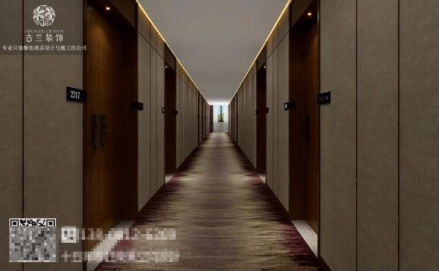 走廊接待大堂的气质,并寻求新的突破与平衡,以无声,胜有声。木色与深浅交错的大理石奠定了时尚商务的基调。地面上的纹路在这里显得灵动。