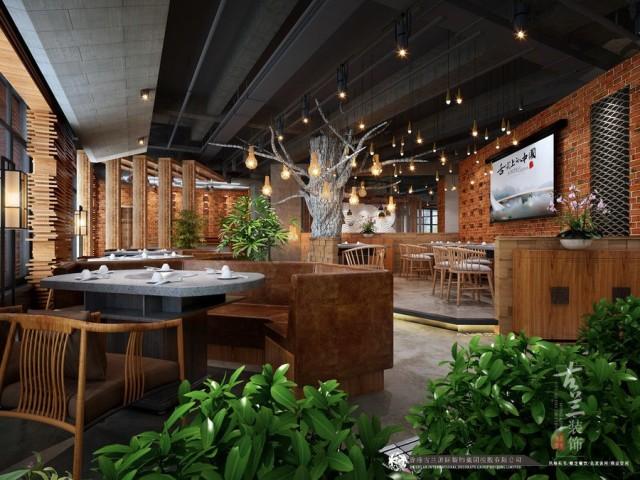 """创造出了属于""""悦辣""""品牌在南充独有的风格,庭院式的场景布置,传统的过道化作漫步其中的景观小道,原始的红砖水泥隔墙显得古朴自然,中间的镂空窗洞使起既能起到隔断的作用又能有通透借景的作用。餐桌的布置随性由合理的散布其中摆脱传统布局的古板。大面积的植物和摆景穿插其中给空间又带来一丝生气。"""