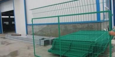 安平框架護欄網-一種帶邊框的公路護欄網