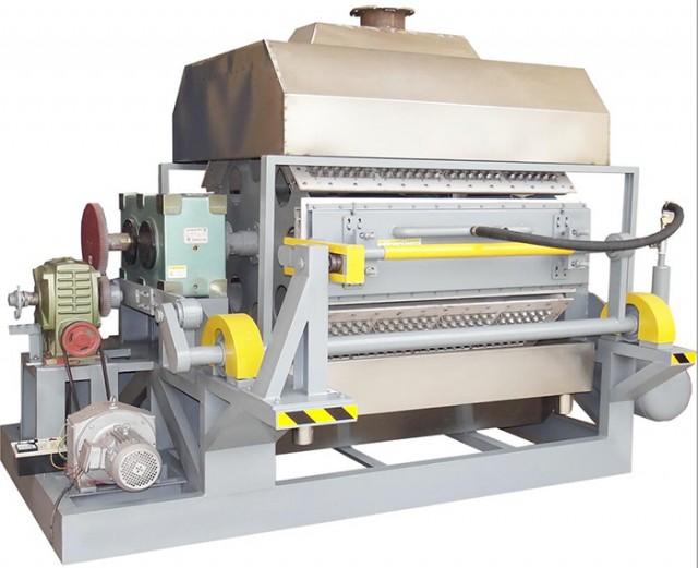从生产过程来看,该技术简单实用。在生产线的每个过程中,对人员素质的要求不是很高,所有这些都是熟练的,可以在短期培训后掌握和应用。此外,其设备的高度本地化有利于项目的推广和推广,这也是纸浆模塑产品环保优势快速发展的便利条件。