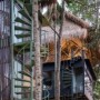 巴厘岛树屋酒店,融合了热带建筑和工业建筑