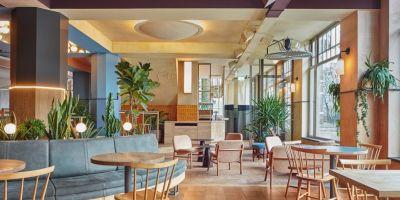 """阿姆斯特丹西部的""""karavaan""""酒吧餐的相關圖片"""