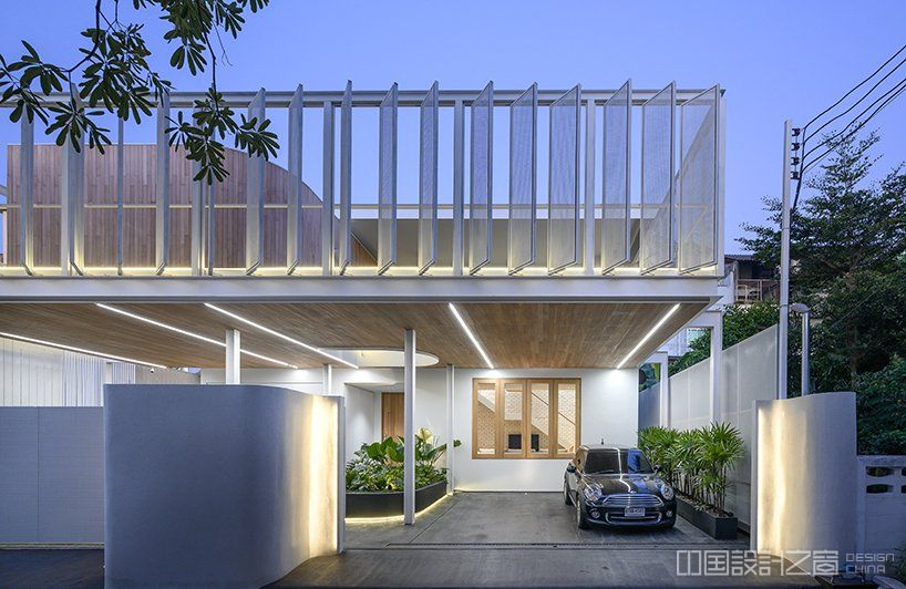 bodinchapa architects applies a translucent façade to house renovation in bangkok designboom