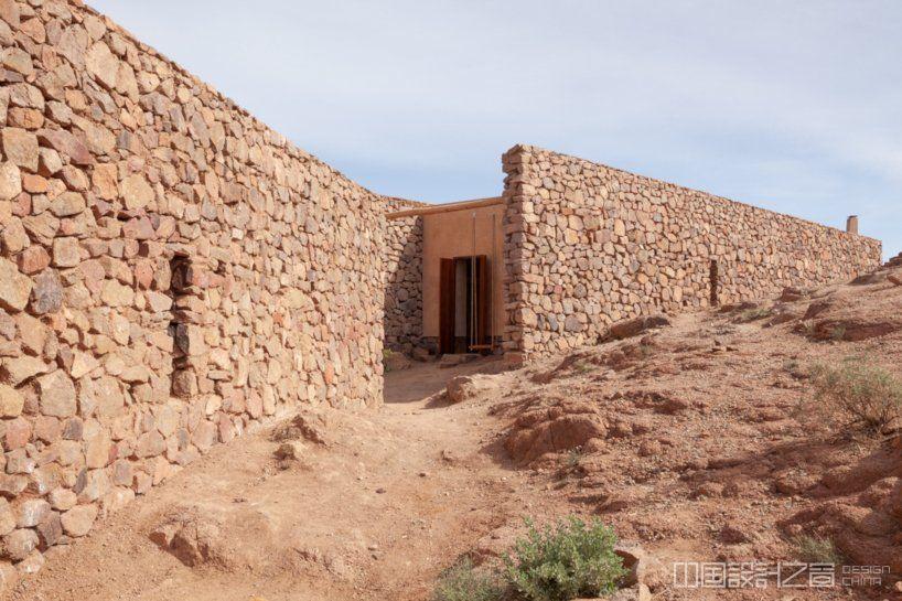 """在摩洛哥农村建造的""""妇女之家"""""""