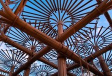 清克林編織竹條來代表臺灣的煙火傳統相關圖片
