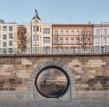 建筑师振兴了布拉格历史悠久的河畔