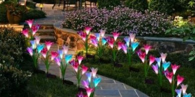 用這些太陽能百合花燈,給你的庭院增添別樣的色彩