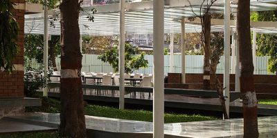 孟买这个学校的户外就餐区设计,尽显的相关图片