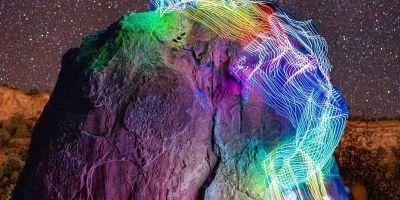 长时间曝光的照片,将攀岩路线转变为史诗般的彩虹