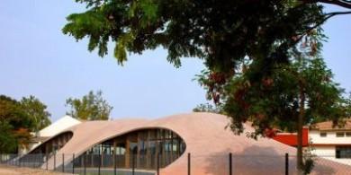 sP+a为印度的一所学校建造一座砖砌拱形图书馆