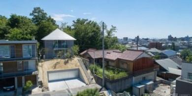 日本金字塔形的通风小屋