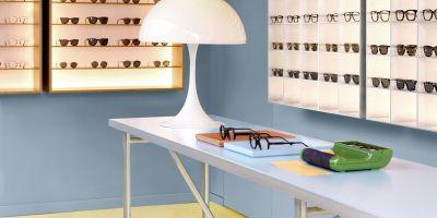紐約市安德里亞·卡普托設計的復古眼鏡商店。